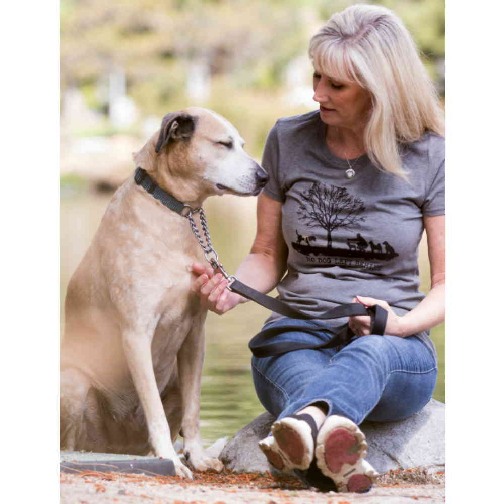 https://www.4pawzkw.com/wp-content/uploads/2021/03/t-shirt-woman-no-dog-left-behind3.jpg